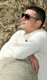 David - Strictly Hetero Escort for women or couples